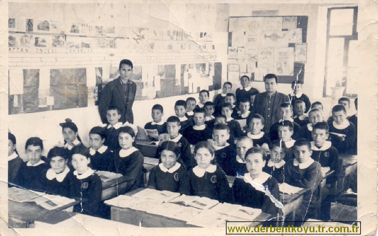 1966 Derbent Köyü İlkokulu 4ve5.sınıflar -Öğretmenler Seyfi Yıldız-Erol Yavaşan-Yusuf Kavuncu